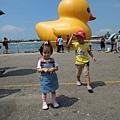 2013.9.25光榮馬頭(黃色小鴨).夢時代 005.jpg