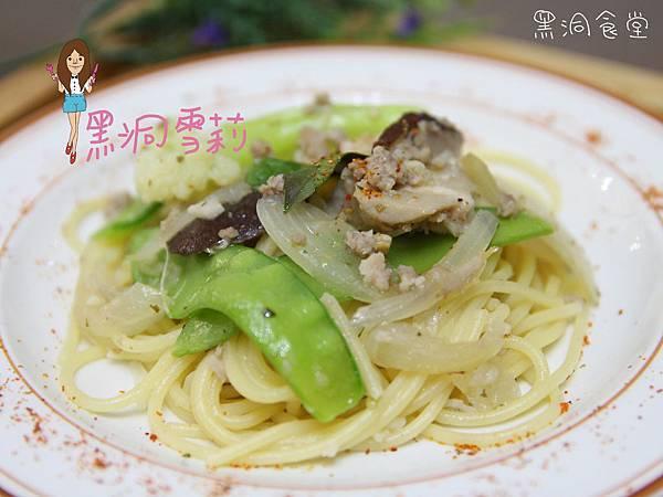 清炒蒜香義大利麵-18.jpg