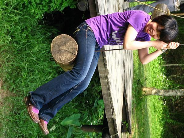 大人小孩玩成一片:  草湳濕地
