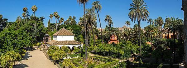 1200px-Sevilla_Alcazar_03.jpg