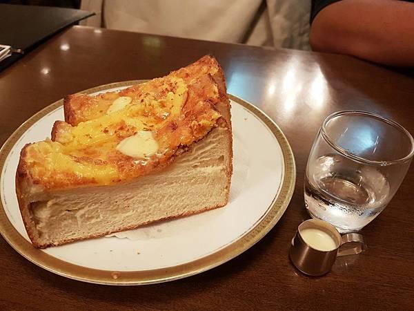 森森生日餐吃吃吃_170122_0032.jpg