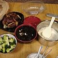 在Shaw's買的烤雞,自製紫菜魚片湯,水煮花椰菜
