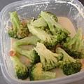 有腐乳空心菜,那應該也可以弄個腐乳花椰菜吧
