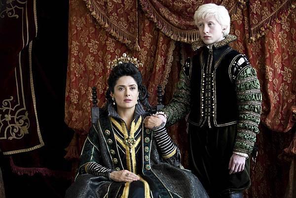 Elias (Christian Lees), Queen of Longtrellis (Salma Hayek).jpg