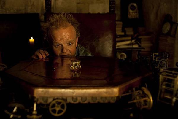 King of Highhills (Toby Jones) (4).jpg