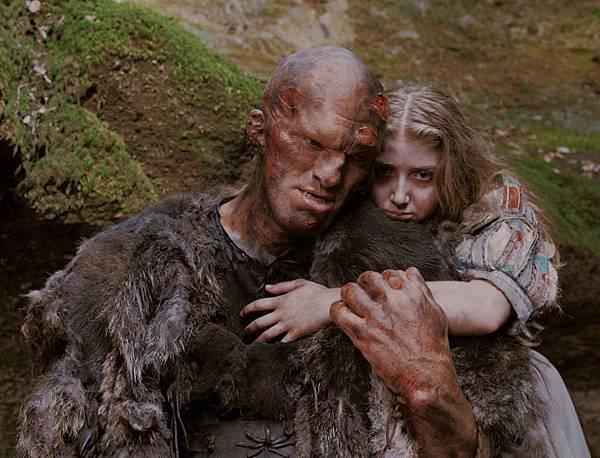 Ogre (Guillaume Delaunay), Violet (Bebe Cave).jpg