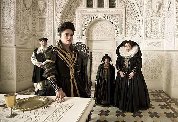 Queen of Longtrellis (Salma Hayek) (11).jpg