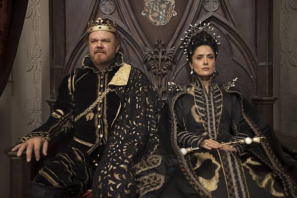 Queen of Longtrellis (Salma Hayek), King Longtellis (John C.Reilly).jpg