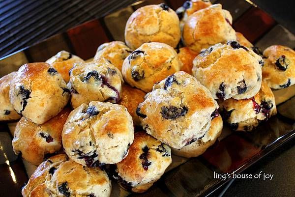 blueberry scone 2