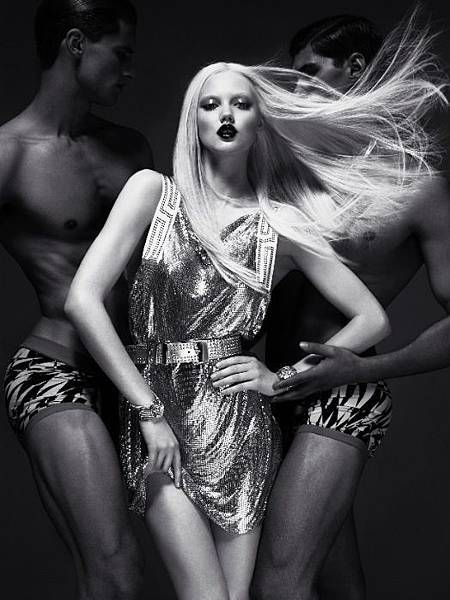 versace_for_hm_campaign_007-thumb-524x700-68041.jpg