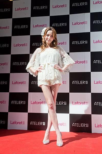 圖說七 Harajuku+在台開幕活動請日本時尚名模藤井Lena出席剪綵活動