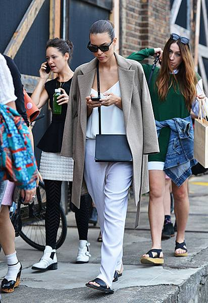 040714_Street_Style_Tommy_Ton_Sydney_Fashion_Week_slide_04 2