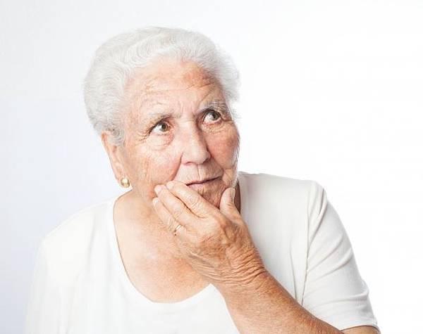 眼袋重修手術:臥蠶(眼台)修復和殘餘眼袋消除─作者:DrMichael 沈筠惇醫師