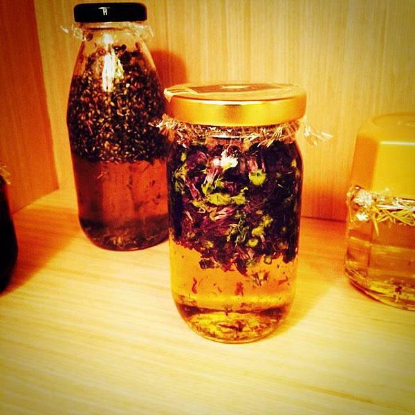 花草油 (1)