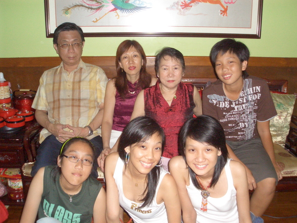 Koh Family & Mommy