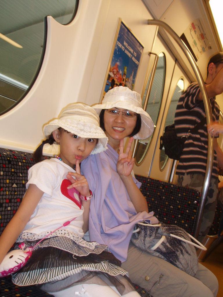 2010-07-01_01_舞濱_迪士尼環場電車_04.JPG