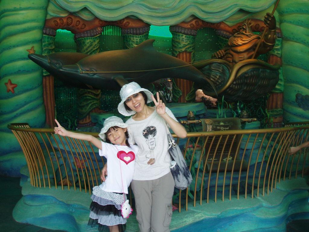 2010-07-01_02_舞濱_迪士尼樂園_03_美人魚城堡_01.JPG