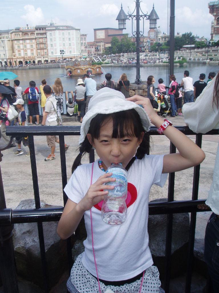 2010-07-01_02_舞濱_迪士尼樂園_05_密西根傳奇_01.JPG