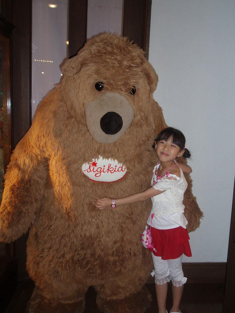 2010-07-03_01_伊豆_伊豆高原_泰迪熊博物館_44_大泰迪熊.JPG