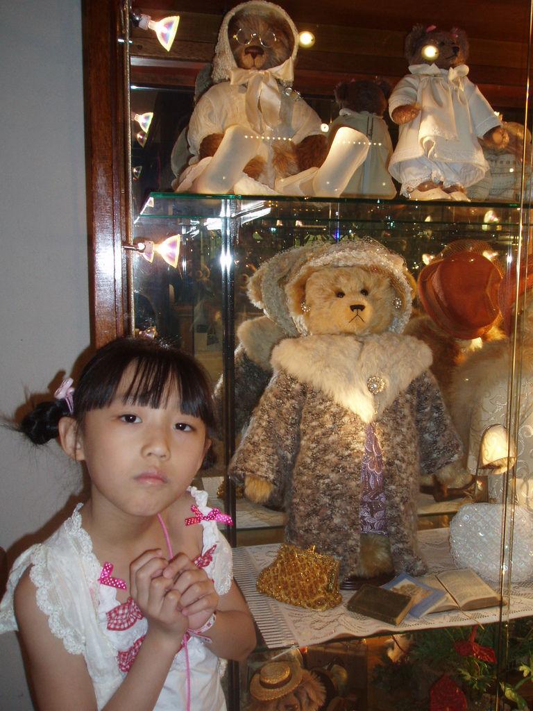 2010-07-03_01_伊豆_伊豆高原_泰迪熊博物館_45_奶奶熊.JPG