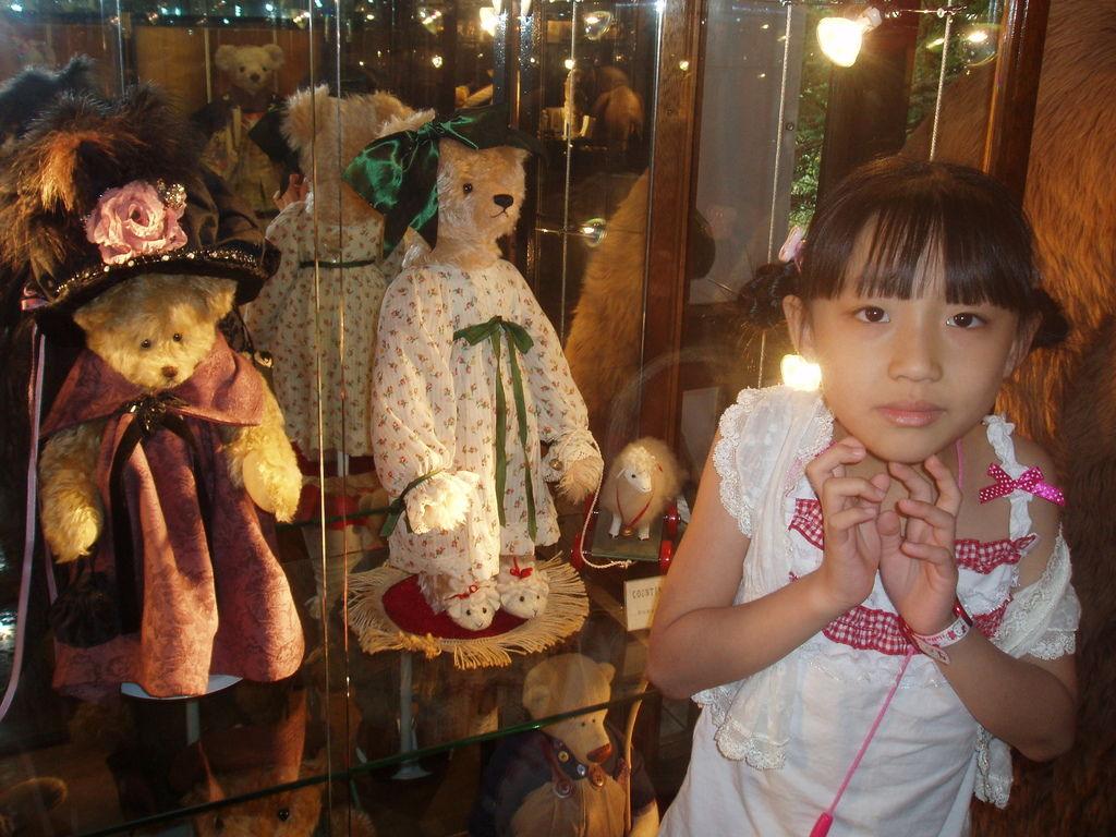 2010-07-03_01_伊豆_伊豆高原_泰迪熊博物館_46_奶奶熊.JPG