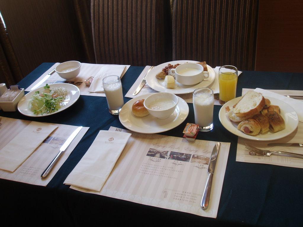 2011-08-15_01_高雄_義大天悅飯店_02_早餐時間.JPG