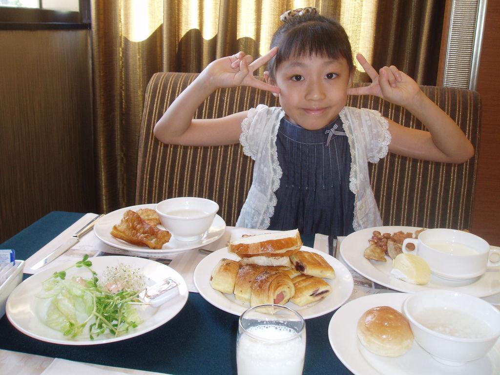 2011-08-15_01_高雄_義大天悅飯店_04_早餐時間.JPG