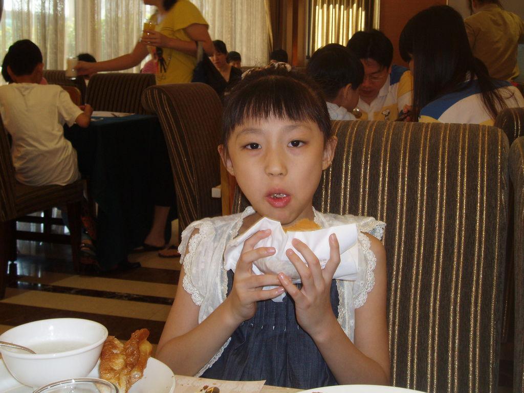 2011-08-15_01_高雄_義大天悅飯店_05_早餐時間.JPG
