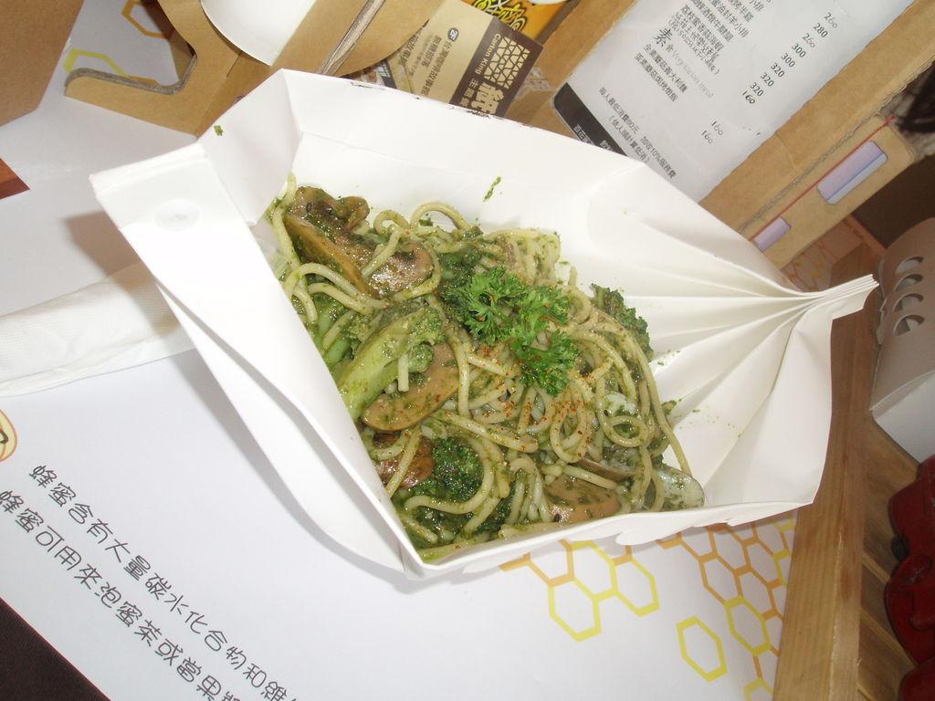 2011-08-17_02_台中新社_紙箱王_22_午餐時間.JPG