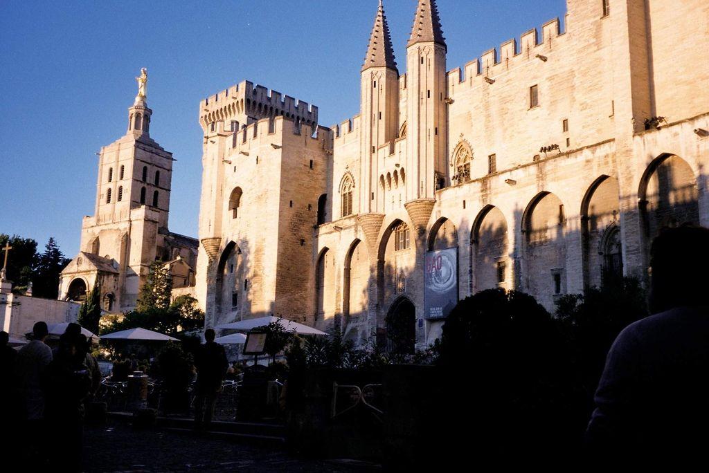 2001-07-15_06_Avignon_Palais des Papes_01.jpg