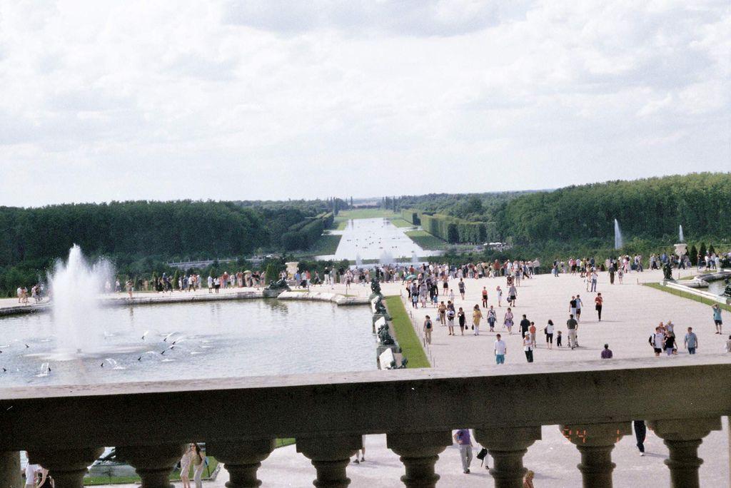 2001-07-22_03_Versailles Castle_13.jpg