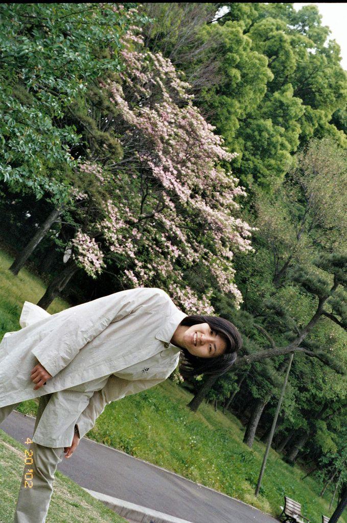 2002-04-20_02_東京_皇居外苑_04.jpg