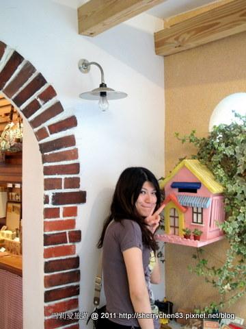 連裝飾的小房子都是那麼夢幻
