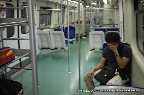 地鐵車廂~