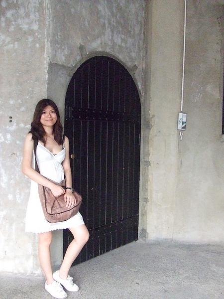 我喜歡這扇大黑門~