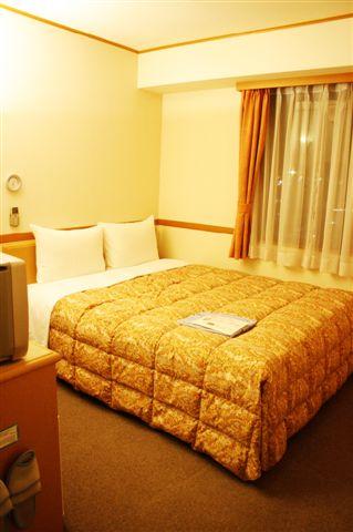 東橫INN裡的房間