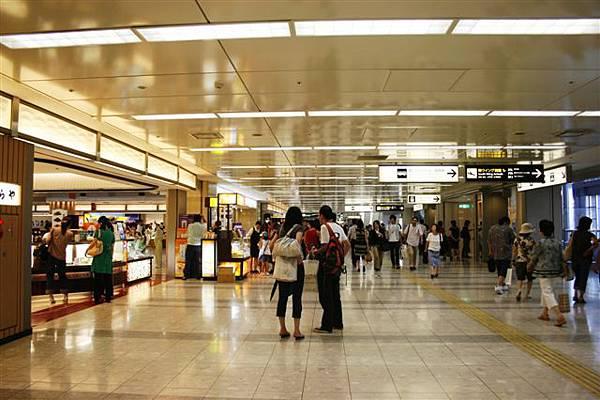 羽田機場感覺比較熱鬧
