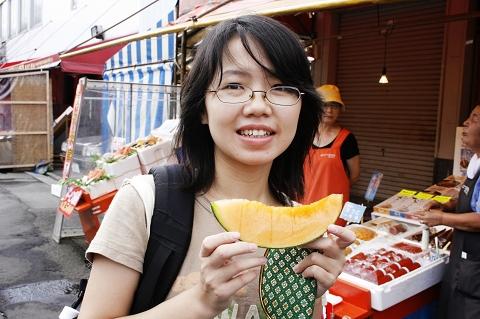 函館朝市,好吃的哈密瓜。