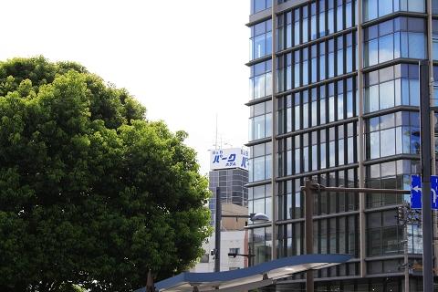 _MG_0106出車站右前方就看到住宿的旅館.jpg