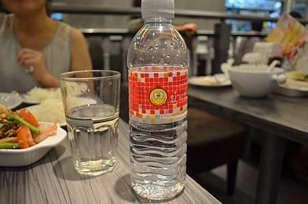 媽媽麵瓶水17元