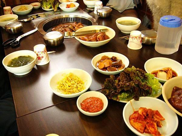 烤肉吃到飽+季節小菜