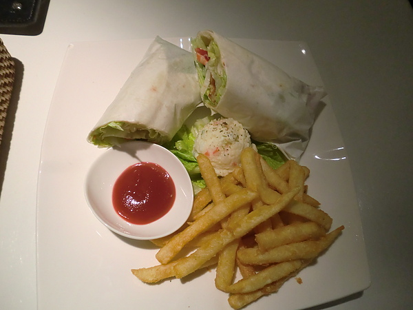 黃金線蝦蔬菜捲餅