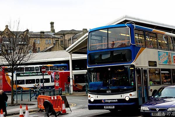 英國小鎮的公車站