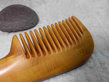 黃金檀香木梳