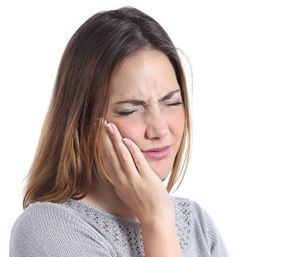 植牙貪小便宜,恐隱藏較高的手術失敗風險