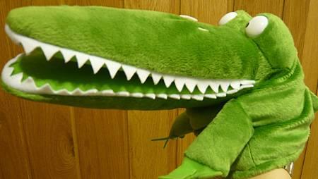 鱷魚手偶-側面.JPG