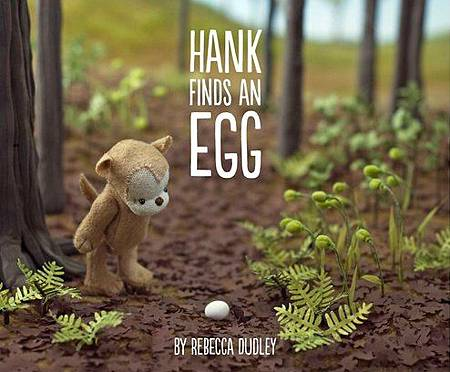 20150605HANK FINDS AN EGG