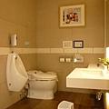 廁所都是全自動沖水