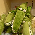 鱷魚玩偶,大小隻也是可愛的送禮物品