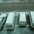 雪國的車一定做的很好,不然長時間被雪埋在裡面,應該很容易壞